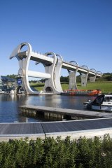 Falkirk-Wheel-2-10.5-wide-150.jpg
